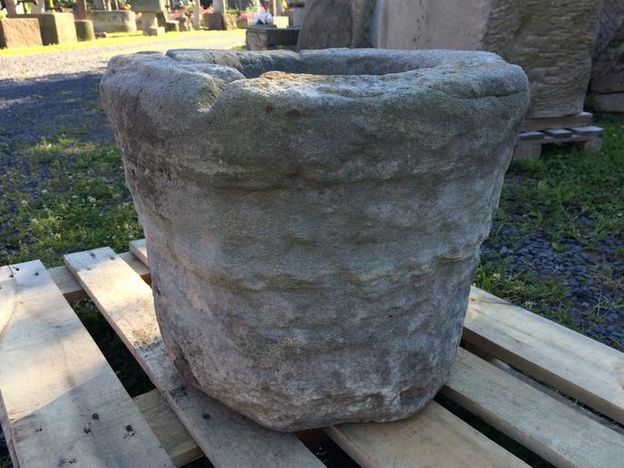 Sch ner antiker blumenk bel aus grauem sandstein original ebay - Fenster zumauern welcher stein ...