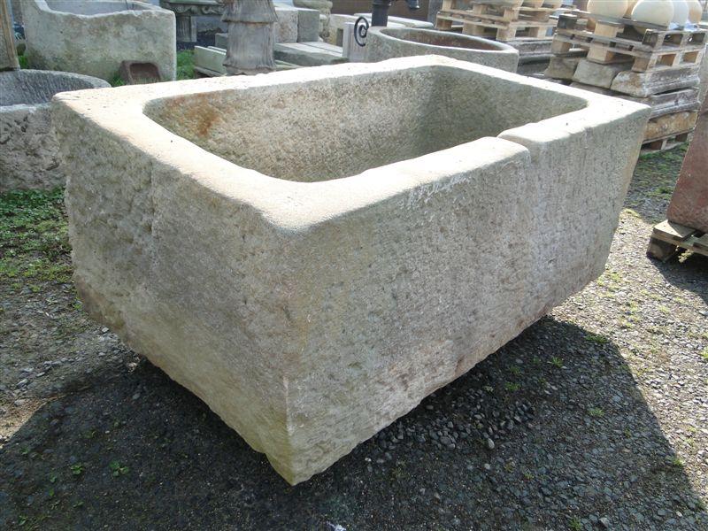 sch ner wassertrog sandstein original aus dem jahre 1800 1850 ebay. Black Bedroom Furniture Sets. Home Design Ideas