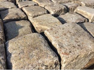 Historische Pflastersteine, Granit, 9 x11 cm  Sonderpreis bei 25 Tonnen *
